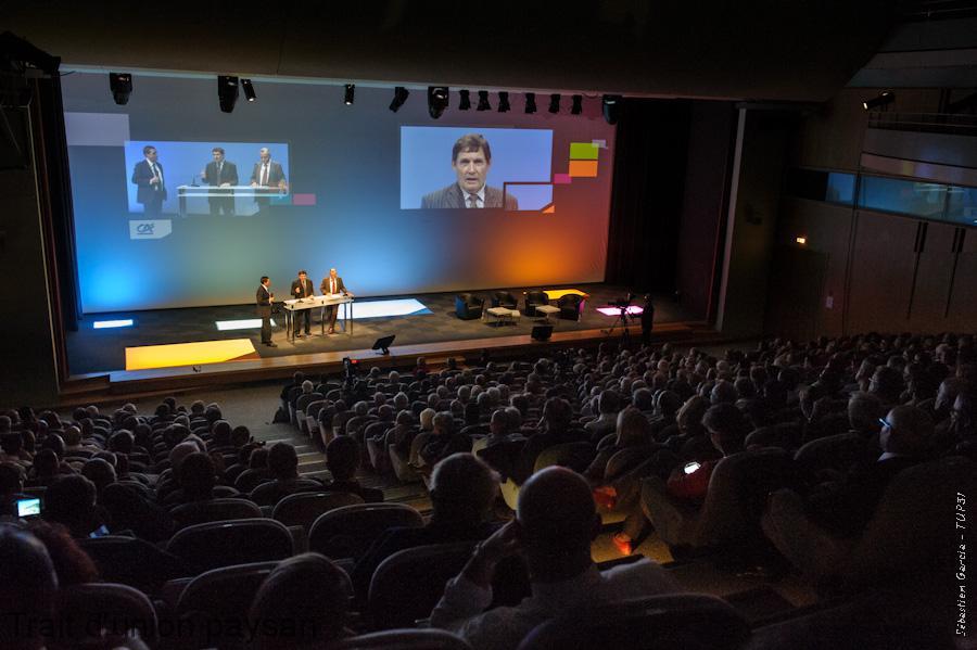 Gérard Cazals et Yvon Malard devant les actionnaires du Crédit Agricole Toulouse 31