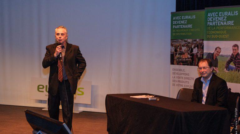 Jean-Claude Labit, aux côtés de Christian Péès, lors de l'assemblée générale de Muret.