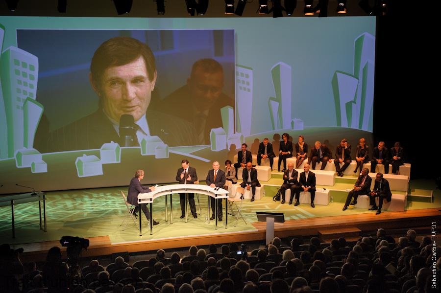 Gérard Cazals, Président du Crédit Agricole Toulouse 31, avait invité un large panel d'experts et de collaborateurs pour échanger sur les grandes tendances de l'immobilier départemental et les réponses à y apporter.