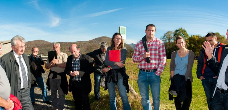Francis Ader (à droite) insiste sur l'importance de l'engagement des élus sur les problématiques foncières en montagne