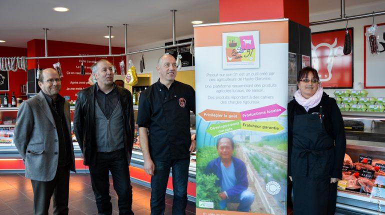Les époux Pollet avec Yvon Parayre et Serge Bouscatel, lors de l'inauguration officielle de leur boucherie.