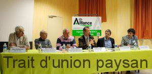 Stéphane Viéban (micro), directeur directeur d'Alliance Forets Bois, animait l'AG de section avec les Présidents et directeurs des agences Pyrénées-Est et Midi-Quercy.