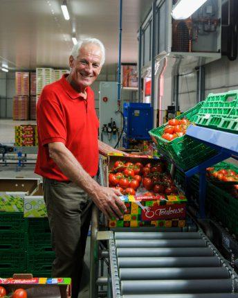 Zéro pétrole, zéro phytos, zéro rejets … Les tomates de Gilles Briffaud, Président des « Serres de Bessières », partent à l'assaut du marché toulousain avec de sérieux atouts.