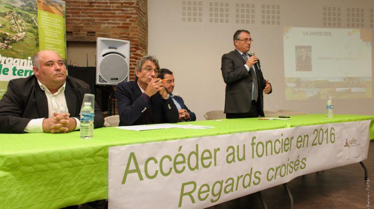 Michel Baylac (avec, de g. à dr., Didier Vidal, Bernard Sicard et Bernard Bros) a arbitré des débats nourris sur le contrôle des structures.