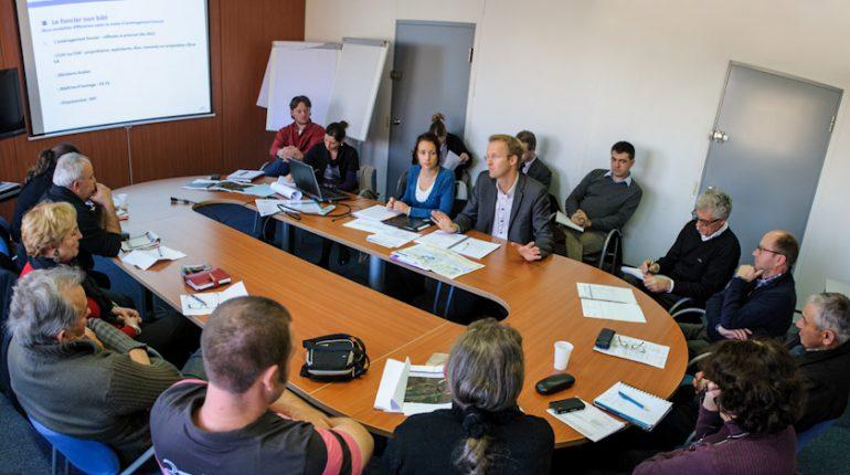 Questions réponses entre RFF et les agriculteurs impactés par le projet LGV.