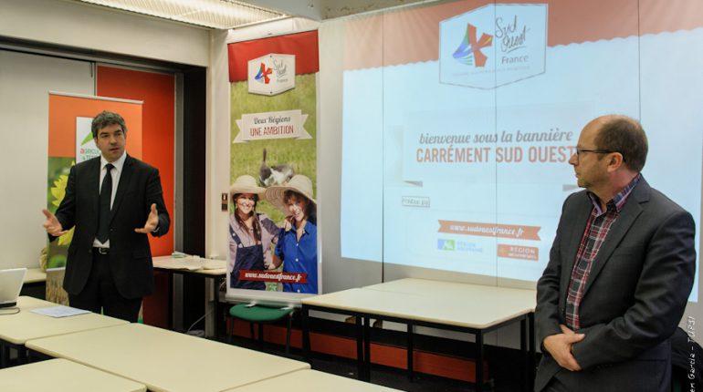 Vincent Lagarde (à gauche) et Yvon Parayre lors de la présentation de la bannière Sud-Ouest France, à Toulouse