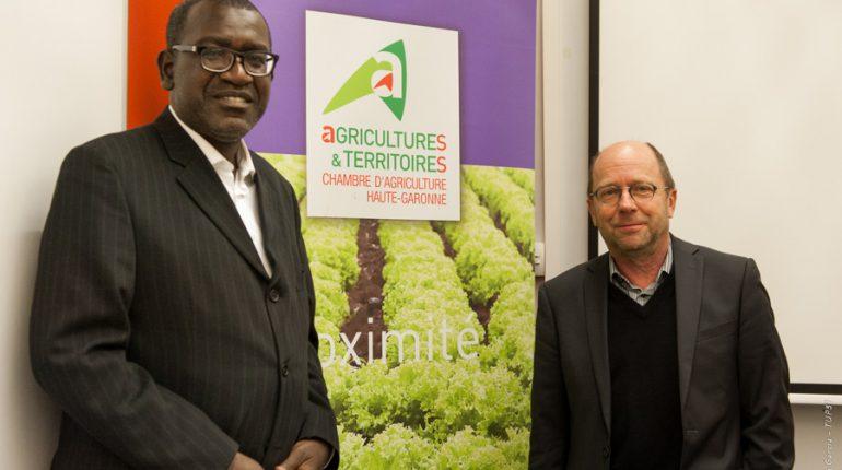 Youssoupha Diallo, du Ministère de l'agriculture du Sénégal, et Yvon Parayre, président de la Cahmbre d'agriculture 31.
