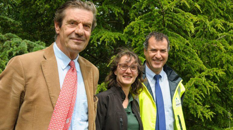 Henri de Cerval (président), Cécile Delamé (conseillère) et Stéphane Viéban (directeur) restent optimistes pour l'avenir de la forêt privée française.