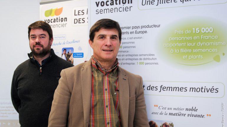Pour Gérard Crouau (à droite) et Régis Boisseau, l'Europe doit absolument protéger sa recherche et sa sélection variétale.