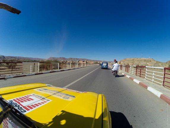 Sur les routes du Maroc, avant l'entrée ans le désert (photo Florient et Victor)